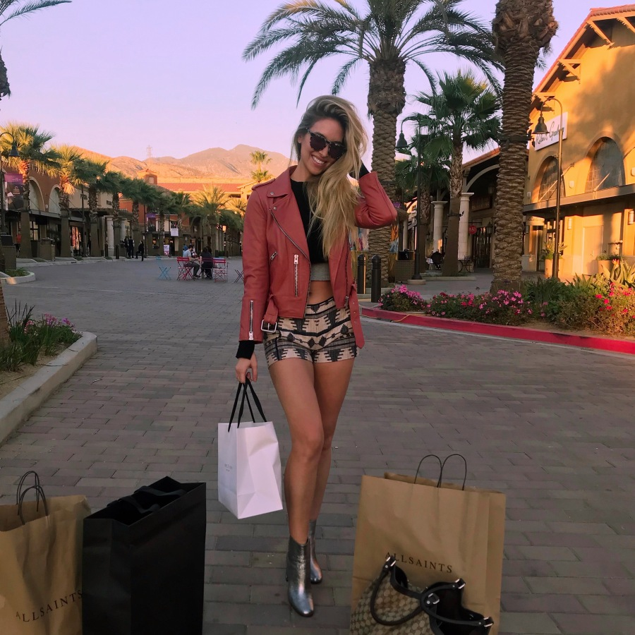 A Day At The Desert Hills Premium Outlets!